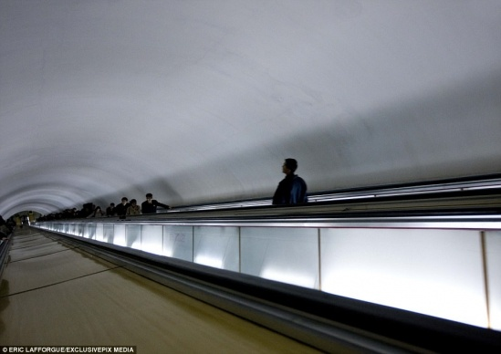 4328C05C00000578-4781398-Escalating_tensions_Thousands_of_commuters_use_the_network_which-a-7_1502445980213