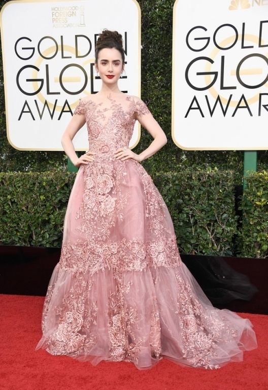 lily-collins-74th-annual-golden-globe-awards-x-gg-5dxkp6x-1483920979562