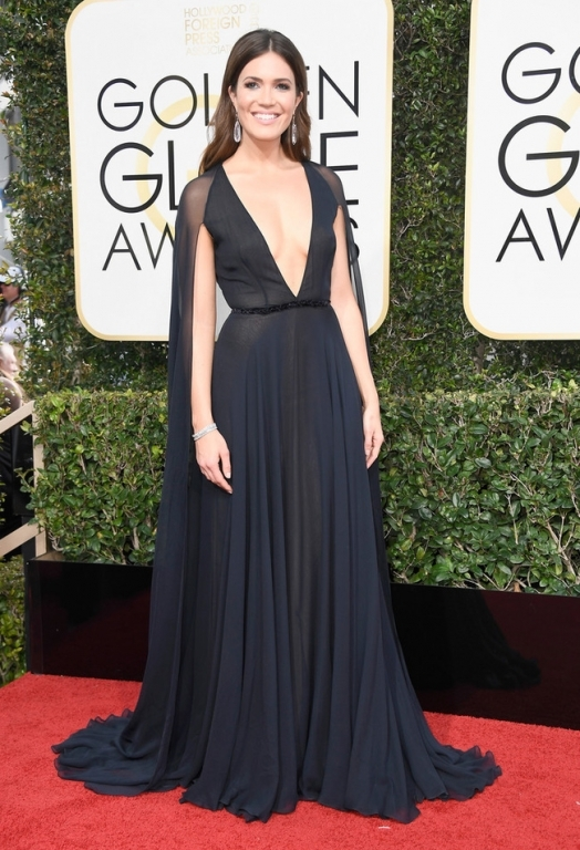 mandy-moore-74th-annual-golden-globe-awards-bdfk2hizidsx-1483921220959