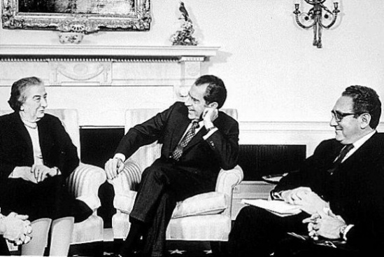 Meir_Nixon_and_Kissinger_-_Flickr_-_The_Central_Intelligence_Agency-580x388